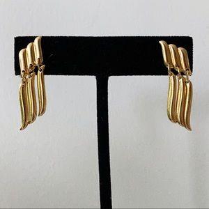 🎉5/20 SALE🎉 vintage gold tone dangly earrings